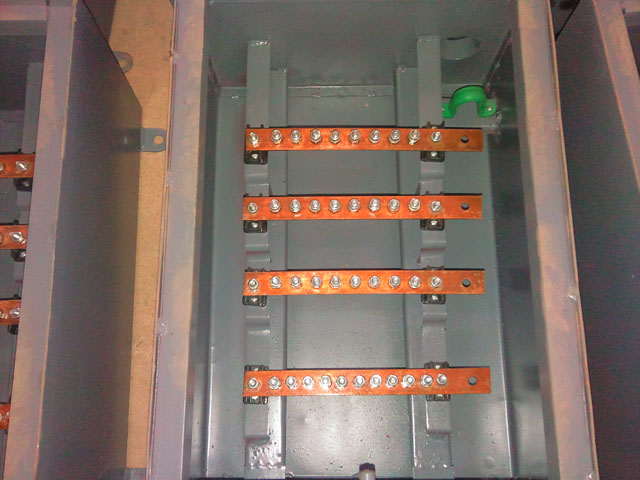 Chamber Boxes With Bus Bar Large Small on 4 pole breaker with 3 phase